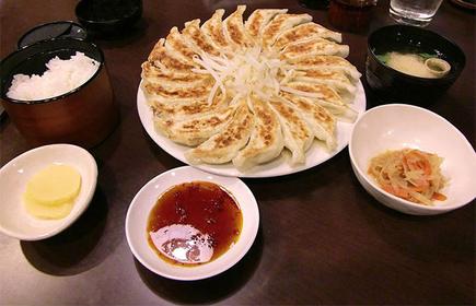 浜松駅南口から人気店の浜松餃子を食べ歩こう!