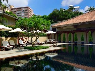 Okinawa (Main Island): Modern Hotels Near the Coast