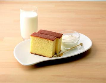 北海道牛乳カステラ 3切れ ¥650 / 6切れ¥1300