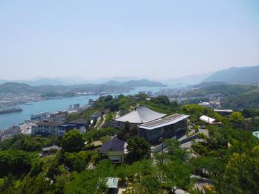 山頂にある展望台から眺める尾道水道の景色
