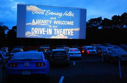ドライブインシアターが復活!全国各地で上映開催