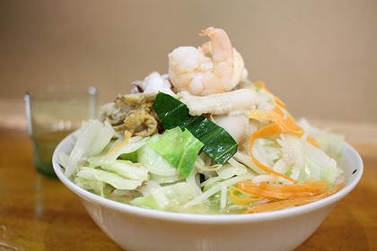 「天然牡蠣ちゃんぽん」780円