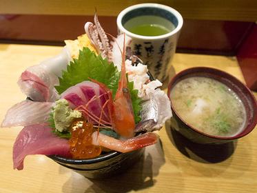 いきいき亭 近江町店ミニ海鮮丼 1500円(税込)