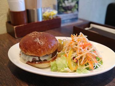 チーズバーガー 1700円(税別)