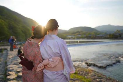Nishijin Akariya: 1,000 yen Kimono Rental Shop in Kyoto
