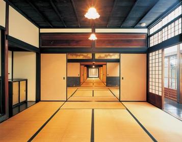 和の雰囲気の素敵な室内!
