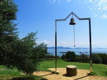 「牛窓オリーブ園」の幸福の鐘