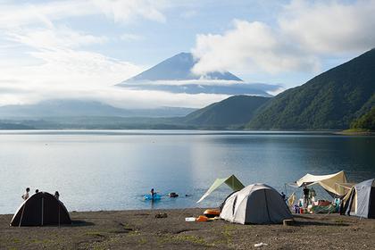 在富士山周邊露營