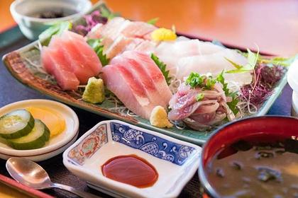 Try Izu's Market Fresh Seafood