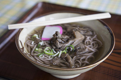 Sample Lake Kuzuryu's famous soba