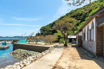 Feel Like an Explorer on a Day Trip to Hisaka Island