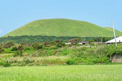 Ogre Hill: Climbing Fukue's Mount Onidake