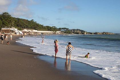 Hayama's Isshiki Beach