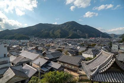 역사 산책: 다케하라의 역사적 건물들