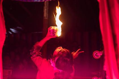 하나조노 신사의 도리노이치 축제