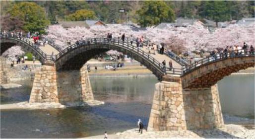 <広島のシンボルを巡り、錦帯橋へ>広島・宮島・錦帯橋コース