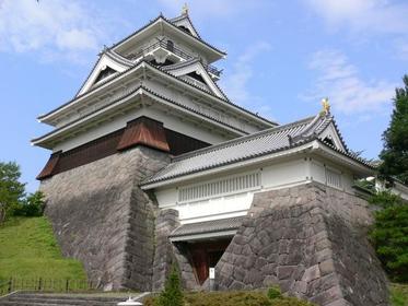 <道なりに、米沢から6つの城下町が続く>米沢・上山・山形コース