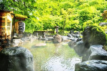 <走る時の楽しみは四季折々に染まる山並み>猿ケ京・三国峠・苗場・湯沢国境コース