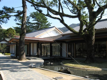 Shoin-jinja Shrine Treasure Hall, Shiseikan image