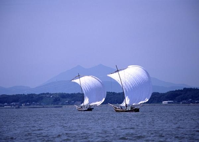 观光帆船 image