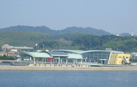 津名港 image