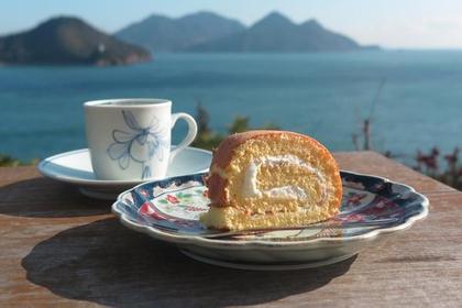 바다가 보이는 카페 image