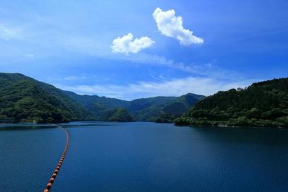 Lake Okutama image