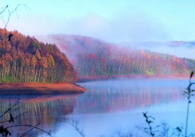 岩洞湖 image