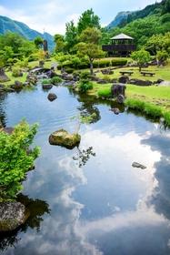 耶馬溪ダム記念公園「溪石園」 image