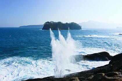 崎山の潮吹穴 image