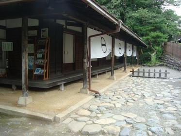 贄川関所 image