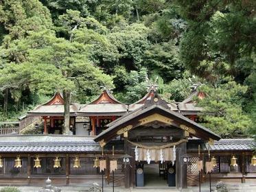 枚岡神社 image