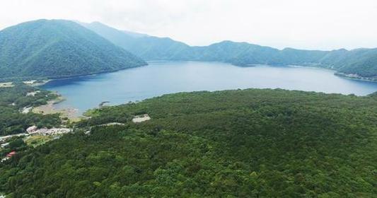 本栖湖 image