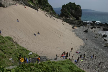 Toji Sand Skiing Resort image