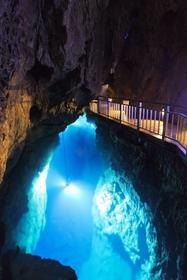 龍泉洞 image