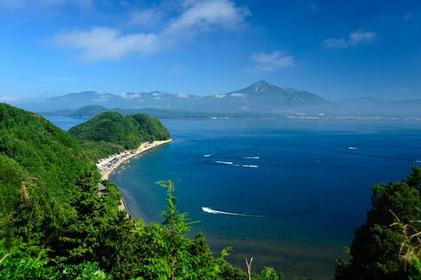 猪苗代湖 image