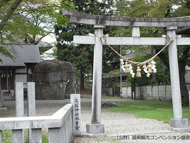 Mitsuishi-jinja Shrine image