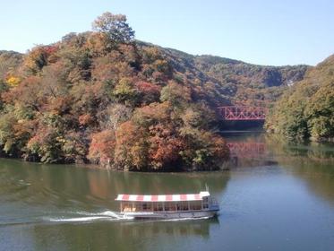 帝釋峽遊覽船 image