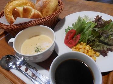 面包咖啡厅 红砖 image