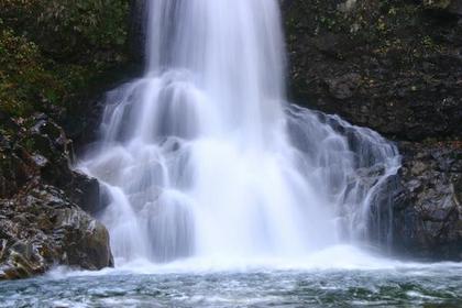 Shirabu-otaki Falls image