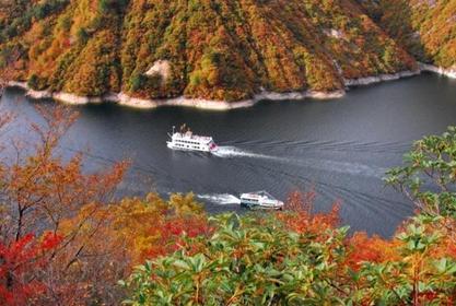 奧只見湖遊覽船 image