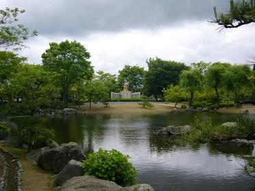 紫式部公园 image
