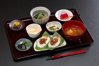 아지쿠라 쓰키아카리 image