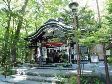 新屋 山神社 image