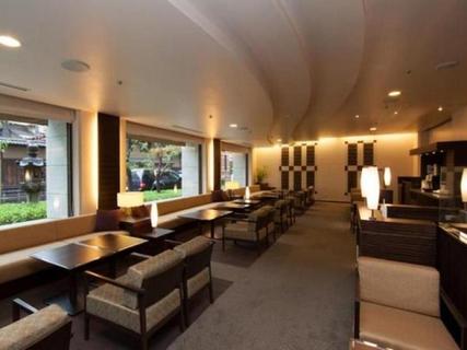 Where to Stay Near Osaka Castle