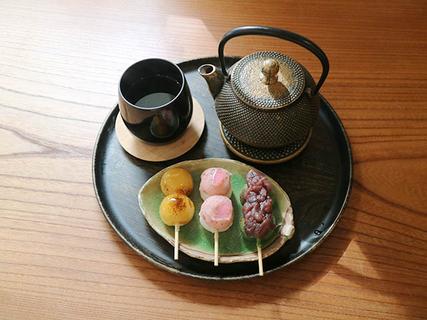 加賀棒茶/250円 さくらあん/120円 みたらし・よもぎ/98円