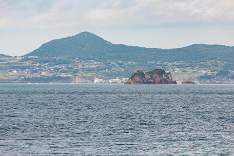 Contemplate Martyrdom from the Hanmoto Beach Resort
