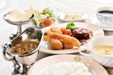 「五島軒本店 レストラン雪河亭」の本格的なロシア料理。
