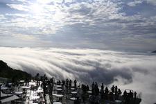 美しい雲海を楽しめるテラス席。写真提供「星野リゾート トマム」