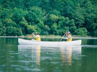 「釧路湿原国立公園」では、釧路湿原カヌーツーリングができます。